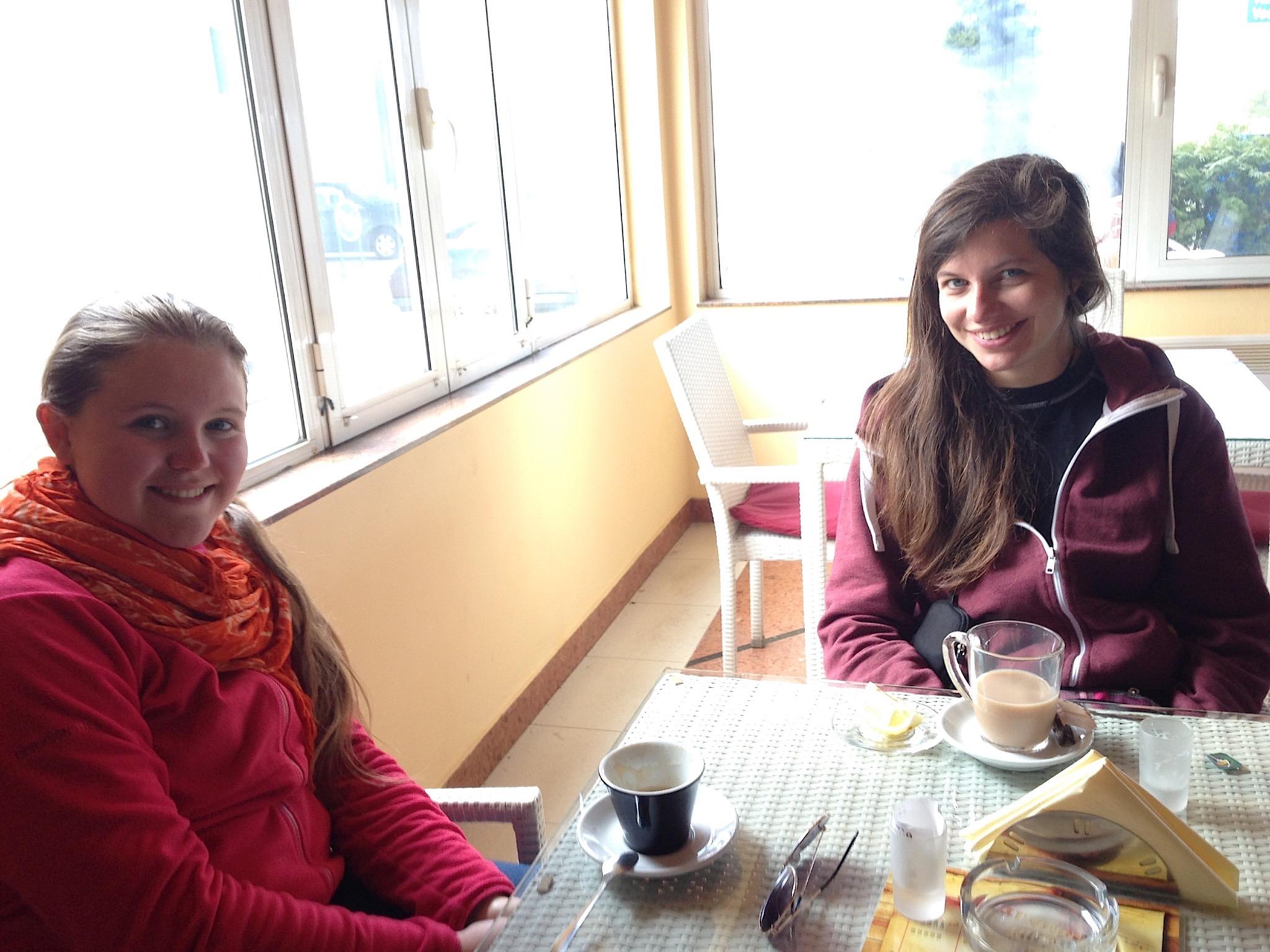 Kaffee & Tee mit Maria und Danisa