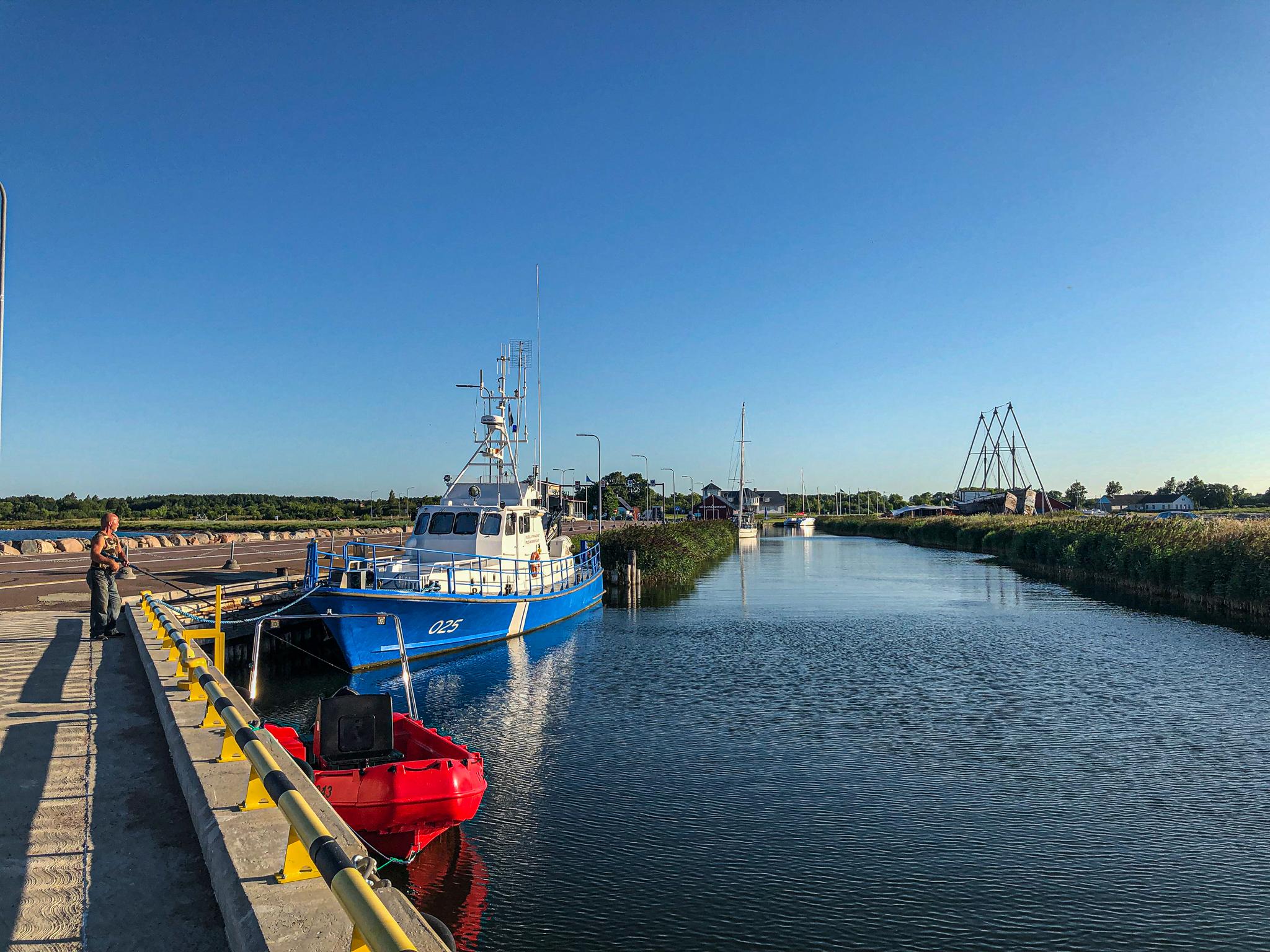 Der Hafen von Pärna, Überfahrt nach Triigi auf Saaremaa